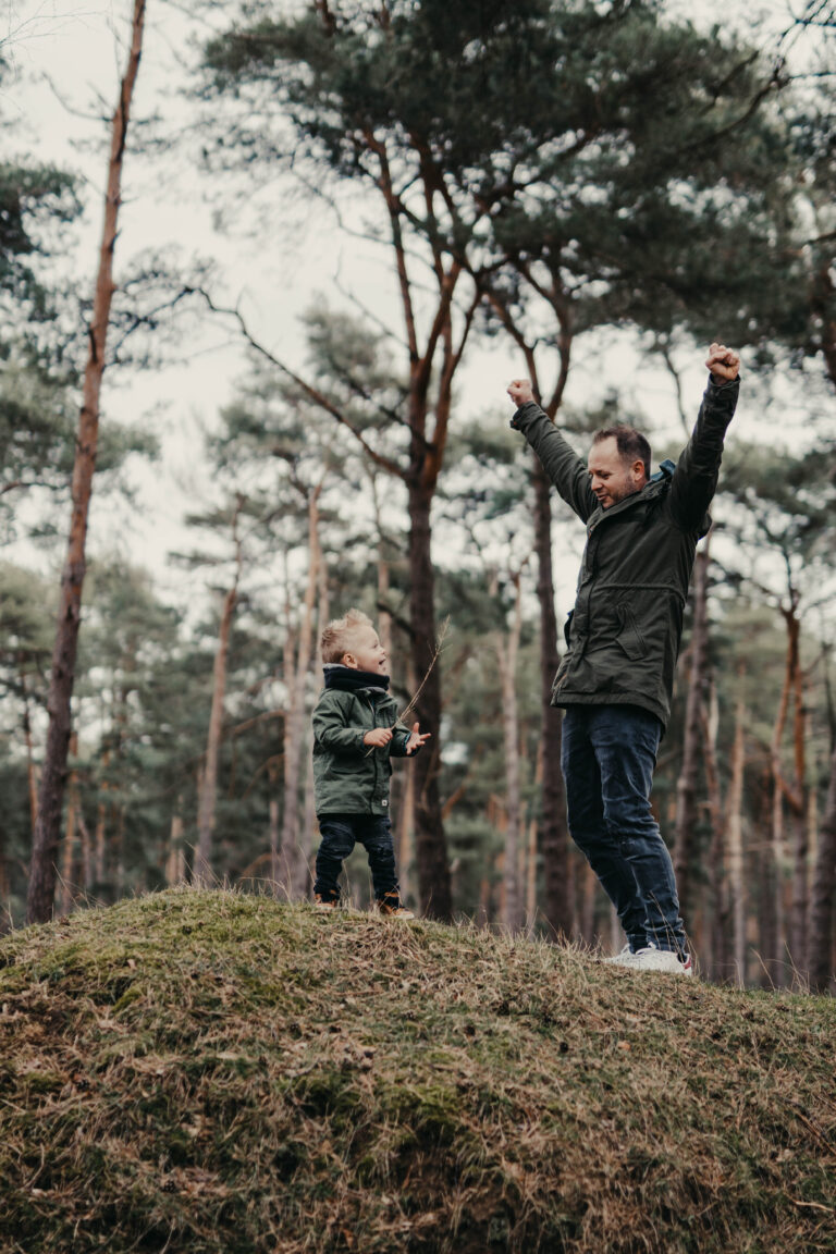 Vater und Sohn Fotos herbst