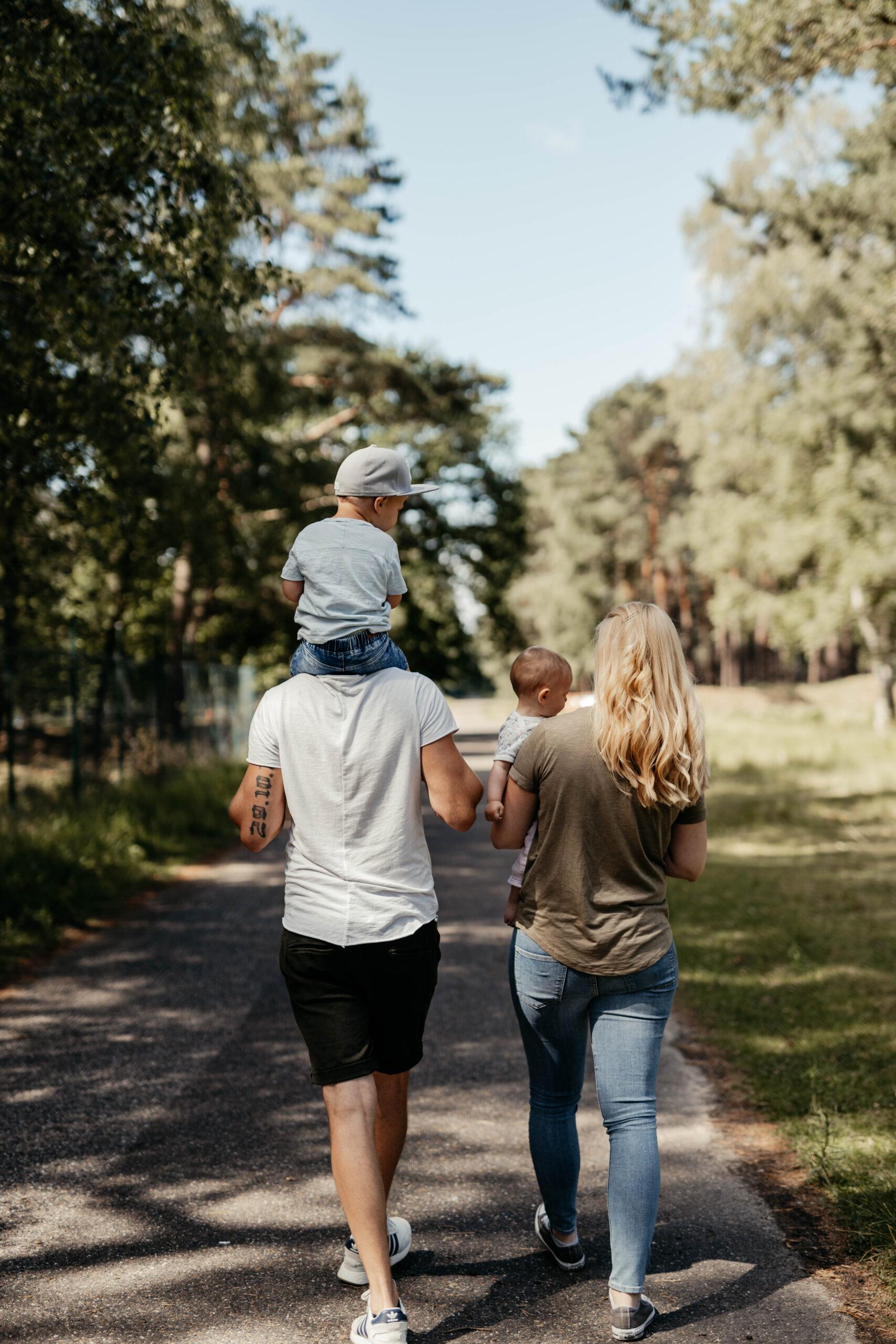 Fotos Familien Bilder draußen